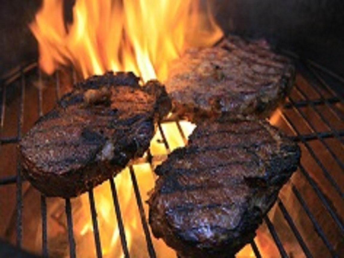 مخاطر حرق اللحوم